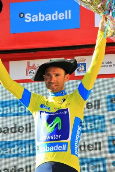 Valverde podio maglia gialla (Foto Jean Claude Faucher)