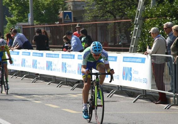 Il Campione regionale lombardo Andrea Bagioli lancia un attacco (Foto Berry)