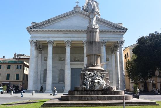 Chiesa e Monumento di Chiavari (Foto Trovati)