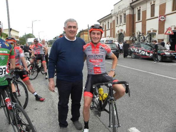 Presidente FCI Mantova, Fausto Armanini col crossista ed ex Campione d'Italia, Stefano Sala a Casteldario (Foto Nastasi)