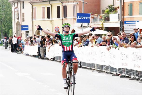 Rocchi Nicolo^ vince a Castelfidardo (Soncini)