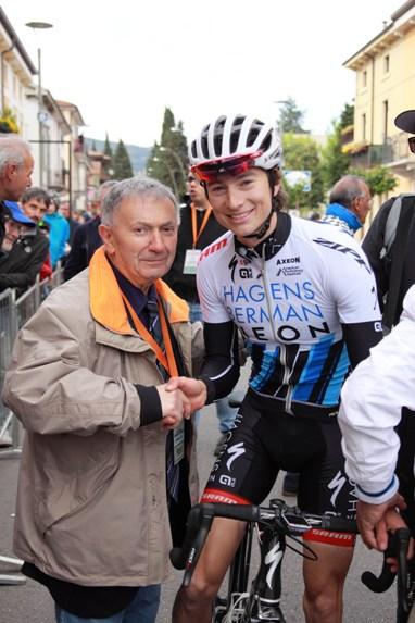 Bernardi col vincitore, Neilson  Powless (Foto Kia)