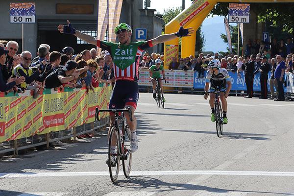 La vittoria di Simone Bevilacqua (Foto Kia)