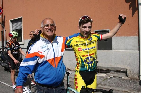 Michael Cattani esulta dopo l'arrivo (Foto Soncini)