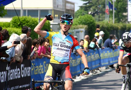 Primo piano della vittoria di Alessio Martinelli ad Albano S. Alessandro (Foto Berry)
