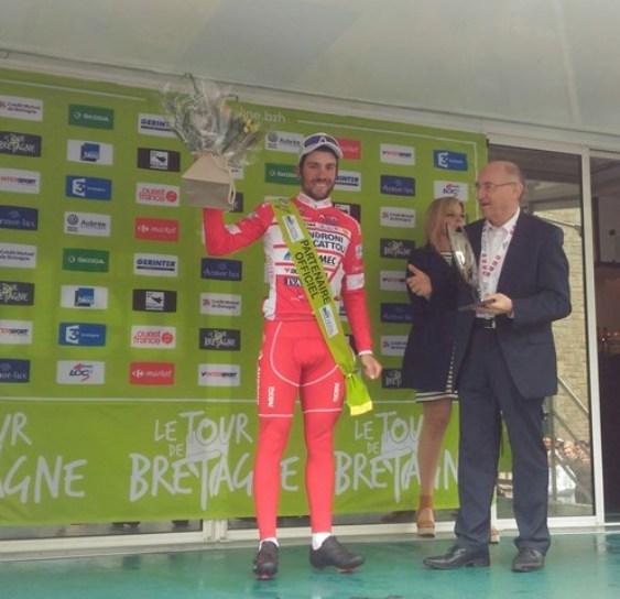 Andrea Vendrame vince a Fougers l'ultima tappa del Tour de Bretagne