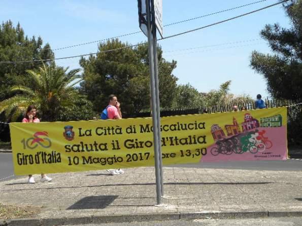 10.05.2017 - Mascalucia - Striscione che saluta il passaggio del Giro100 (Nastasi)