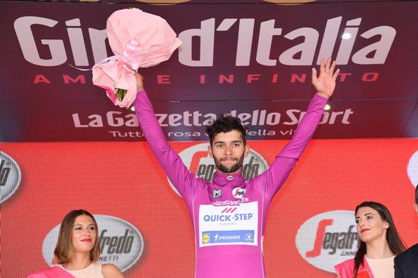 Fernando Gaviria in maglia ciclamino (Foto JC Faucher)