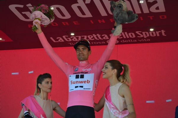 Tom Dumoulin in Maglia Rosa (Foto Mollero)