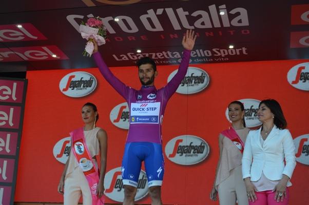 Fernando Gaviria, Maglia ciclamino (Foto Mollero)