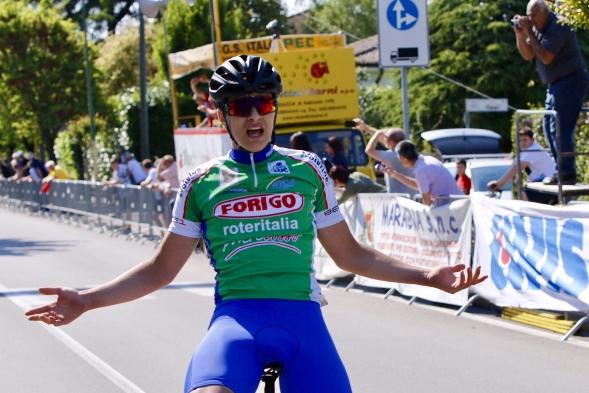 Federico Zorzan vince a Castel D'Azzano  la 25^ Medaglia d'Oro Centro Casa-23^ Trofeo Alpini (photobicicailotto)