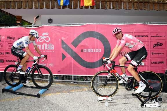 Giro d'Italia 2017 - 100a edizione -  Tappa 17 - da Tirano a Canazei (Val di Fassa) -  219 km ( 136 miglia )
