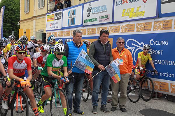 Claudio Aldegheri, Sindaco Ghiringhelli e Mario Minervino al pronti via (Foto Kia)