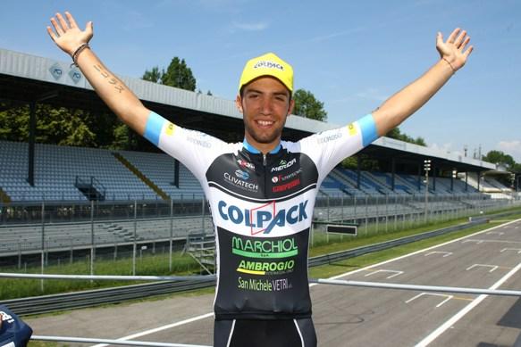 Nicolas Dalla Valle esulta dopo il successo (Foto di Berry)