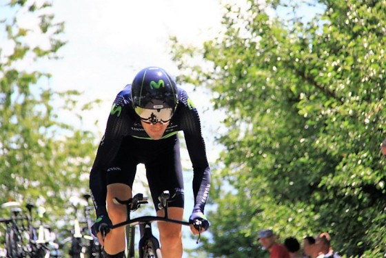 Corridore Movistar in azione (Foto J.C. Faucher)