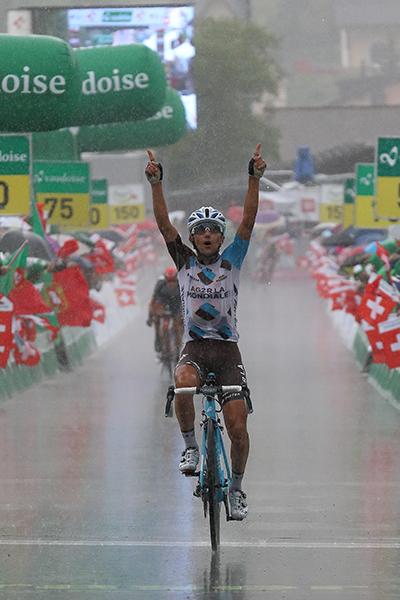 Domenico Pozzovivo vince la tappa di La Punt (Foto Castelli-Kia)