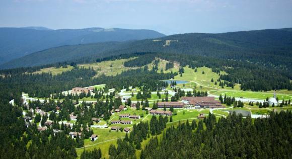 Rogla, sede di arrivo, dopo km. 167,7 del tappone del Giro di Slovenja (alt. 1474 slm)
