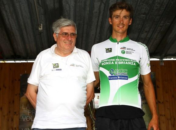 Fabrizio Ghisotti vicepresidente FCI Monza e Kevin Molinari neo campione provinciale (Foto Berry)
