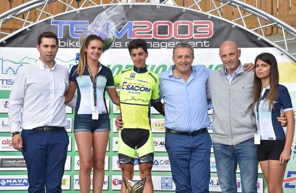 Samuele Rubino con le Miss e gli Sponsor (Foto Rodella)