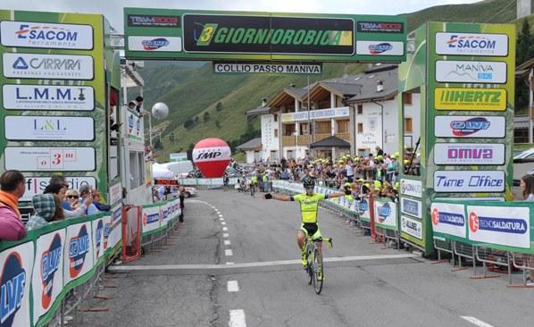 Rubino vince al Passo Maniva (Rodella)