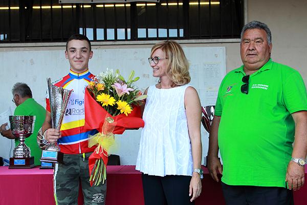 Premiazione di Alessandro Ceci vincitore della gara Esordienti 2^ anno (Foto Kia)