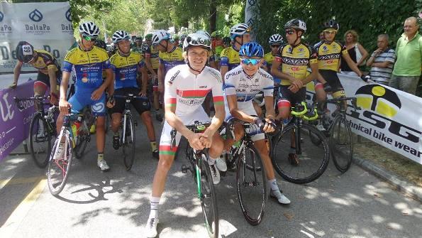 Partenza della Corsa con Shumov e Riabuschenko in prima fila