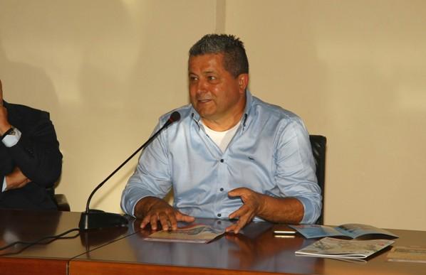 Claudio Aldeghieri sponsor della maglia bianca (Berry)