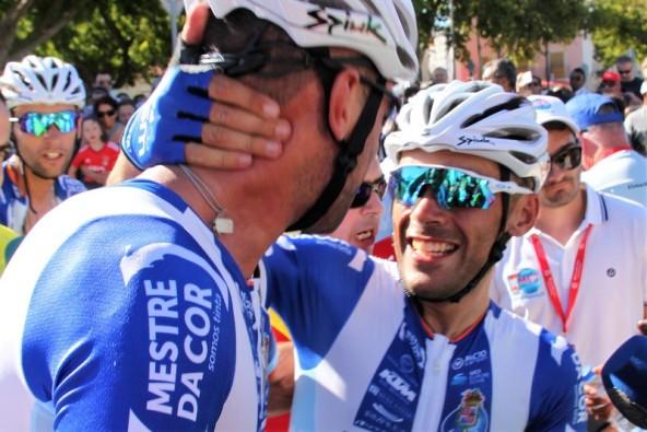 Due compagni di squadra W52-FC Porto (Foto di JC Faucher)
