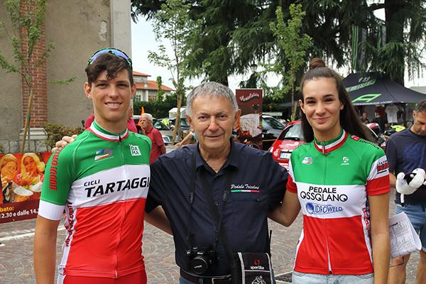 Da sx, Oioli, Bernardi e Francesca Barale in maglia Tricolore di Campioni d'Italia Esordienti 2 anno maschi e donne esordienti (Foto Kia Castelli)