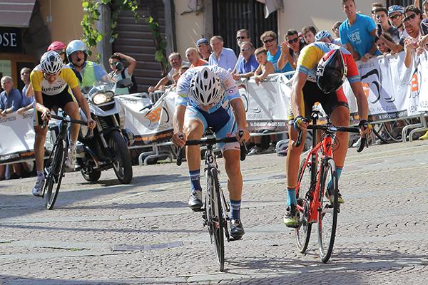 Lo sprint tra Imbruglia e Scalvinoni (Kia)