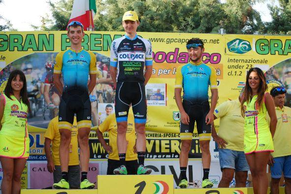 Mark Padun con i due atleti del Team Astana City - Podio del 46^ GP Capodarco