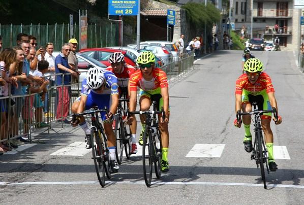 a sinistra, Luca Ferrario 8^ classificato alla Roncola (Berry)