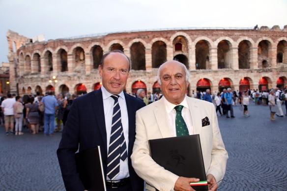 Il Ciclismo e l'Opera - Qui all'Arena di Verona per il Nabucco (photobicicailotto)