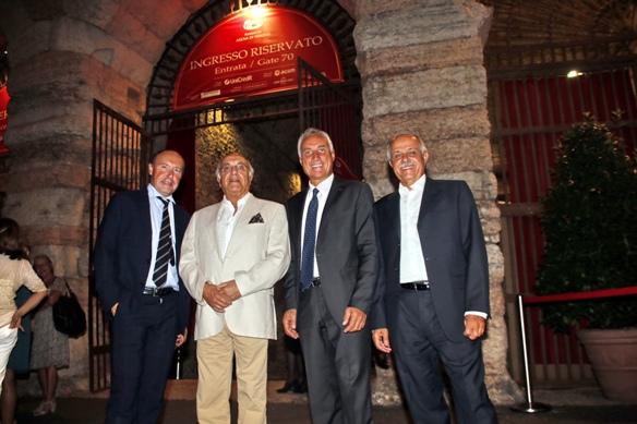 Il Presidente della Federciclismo Italiana, Renato Di Rocco, a Verona con alcuni suoi colleghi internazionali (photobicicailotto)