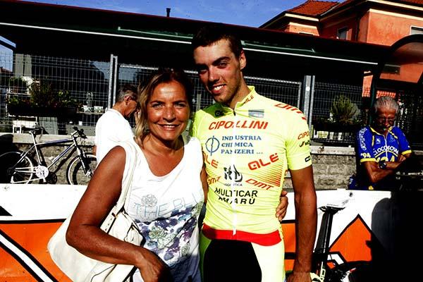Manuel Todaro con mamma Renata a Livraga (Foto Pisoni)