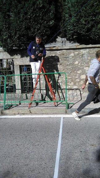 Il Giudice d'Arrivo Michele Tirriciello pronto a segnare i numeri dei corridori (Foto Berry)