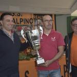 Premiazione del Direttore Sportivo dell'UC Bustese Olonia Verbania, De Filippo (Foto Kia Castelli)