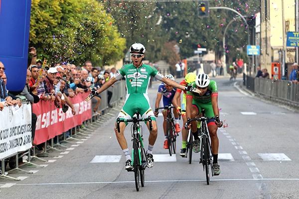Mario Meris vince a Ferrera Erbognone (Foto Kia Castelli)