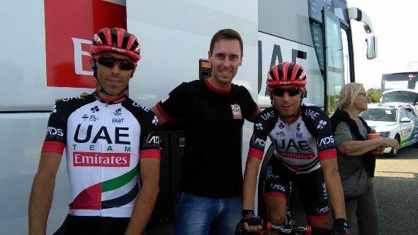Da destra, Diego Ulissi, Luigi Saronni e Mori al raduno di partenza della 65° Coppa Sabatini a Peccioli