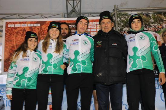 Tommaso Bettuzzi vincitore della gara juniores e neo campione regionale lombardo, è il primo corridore a destra