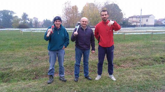 Gli uomini che hanno approntato il circuito di Marcaria (Foto Nastasi)