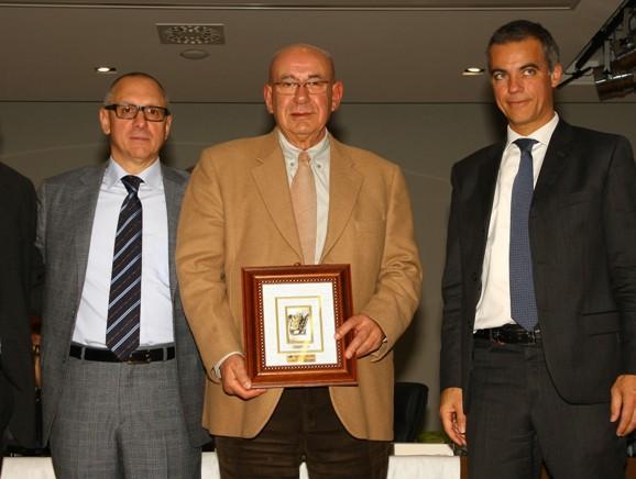 Giuseppe Figini, qui con Marino Valtorta Presidente CP FCI Monza&Brianza e il Dirigente della BCC Carugate (Foto Berry)