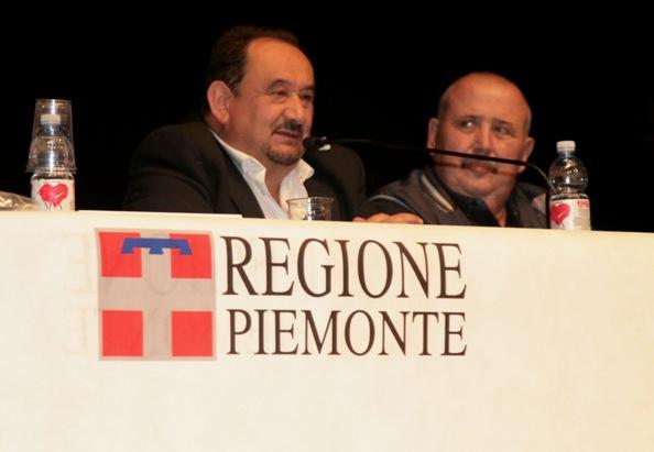 Rocco Marchegiano, già Presidente del CR-FCI Piemonte ed oggi vicepresidente Federale al microfono (Accanto a lui l'altro vicepresidente Nazionale, il bergamasco Michele Gamba (Foto Cesare Galeazzi)