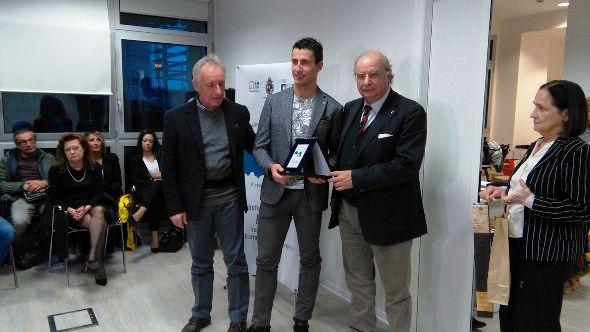 Giorgio Dattaro, Presidente CR_Emilia Romagna e Umberto Suprani, Presidente Coni Emilia-Romagna premiano Adriano Malori (Nastasi)