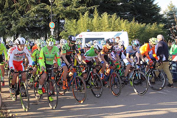 Partenza della gara Elite (Foto Kia)