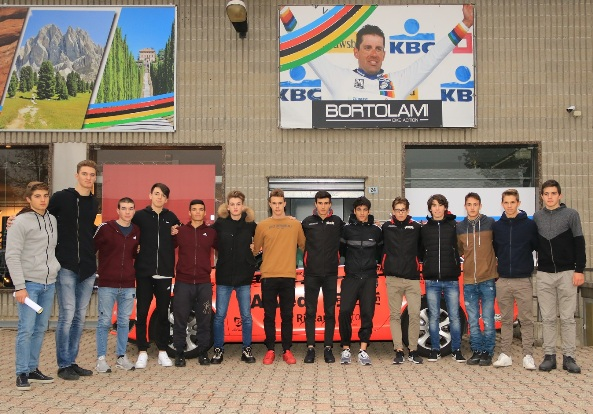 """10.01.2018 – Castano Primo (Milano) – La corazzata Juniores nr. 1 in Italia, """"GB Junior-CC Cremonese-Gruppo Arvedi"""" si presenta"""