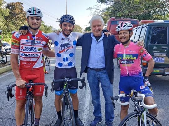16.01.2019 – Vuelta Al Tachira (Venezuela) – Amici di lunga data, oggi avversari leali in una foto che ricorda una lunga storia sportiva